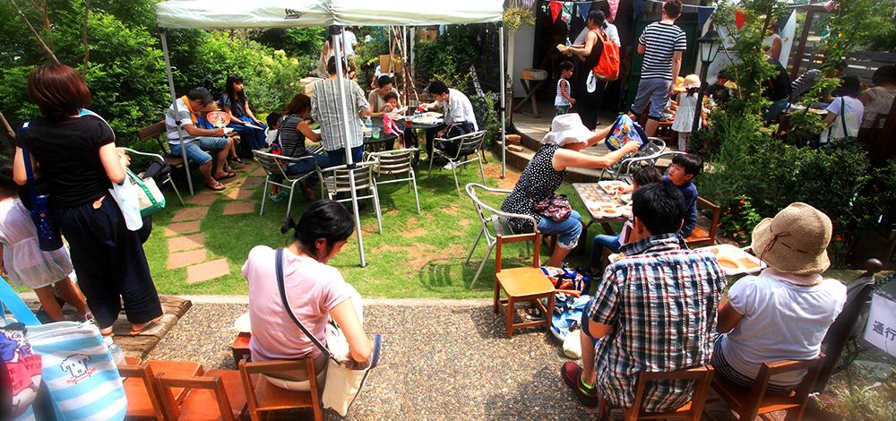 広い敷地を873Village と称しカフェの運営やイベント等いつもたくさんのお客様で賑わっています。